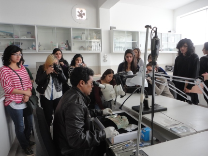 Students at the Bruning Museum, Chotuna (1)